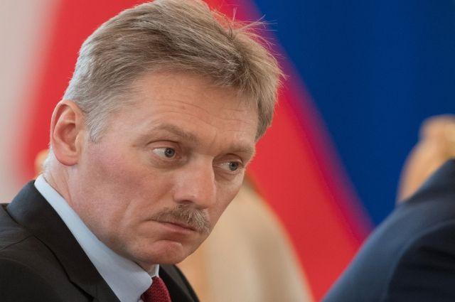 Песков прокомментировал скандал с задержанием ребенка на Арбате