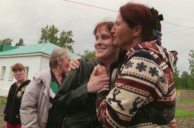 В 34 года Юля вышла из интерната.
