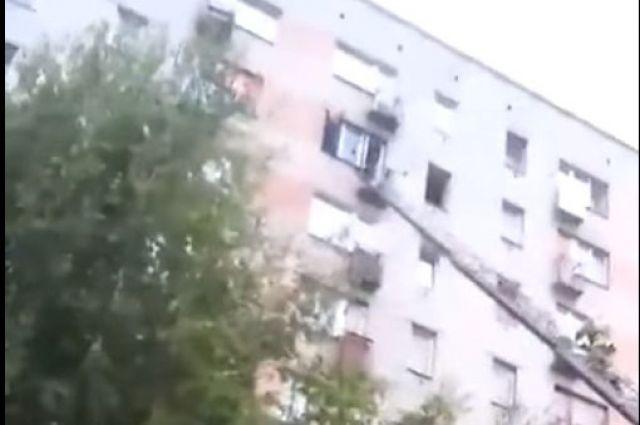 Голый гражданин Димитровграда сорвался свосьмого этажа