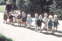 СССР. 1963 г. В 60-е наша страна переживала очередной спад рождаемости.