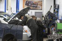 Владельцы «новых» полисов ОСАГО смогут отремонтировать авто без доплат. Обладателям «старых» придётся раскошеливаться за амортизацию.