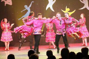 Танцевальный коллектив «Палитра» представляет Ямал в «Артеке».