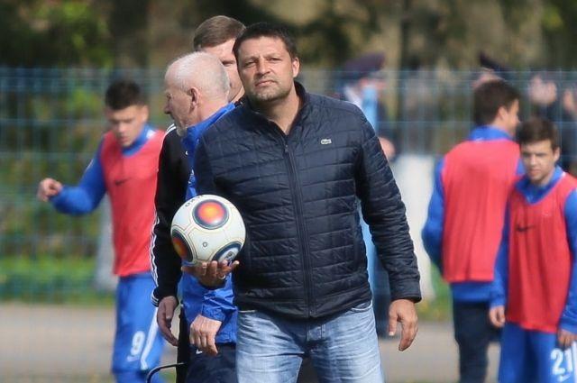 Игорь Черевченко продлил тренерский контракт с калининградской «Балтикой».