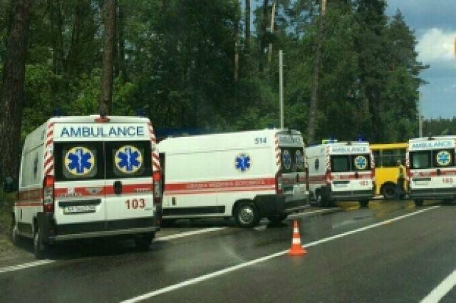 ВКиеве иномарка протаранила маршрутку: 10 человек пострадали
