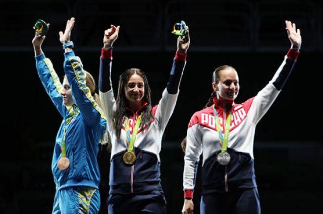 Фехтовальщица Великая вернет медали олимпиады вРио из-за ихпотертости