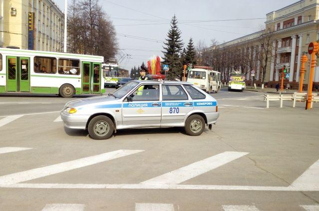 ВКрасноярске шофёр избил дополусмерти пожилого нарушителя— Дорожные войны