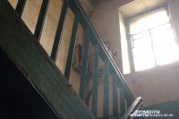 В Ноябрьске приступили к сносу опасных аварийных домов.