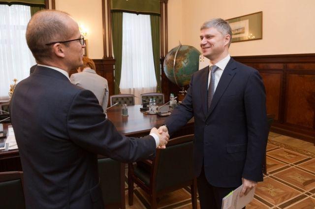 Рабочая встреча двух руководителей.
