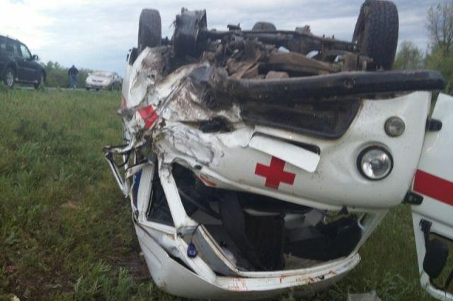 На трассе «Оренбург-Илек» в ДТП со «скорой» погиб водитель «Datsun»