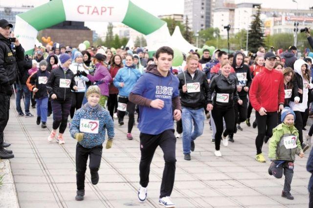 Марафон пробежали бывалые спортсмены и любители бега всех возрастов.