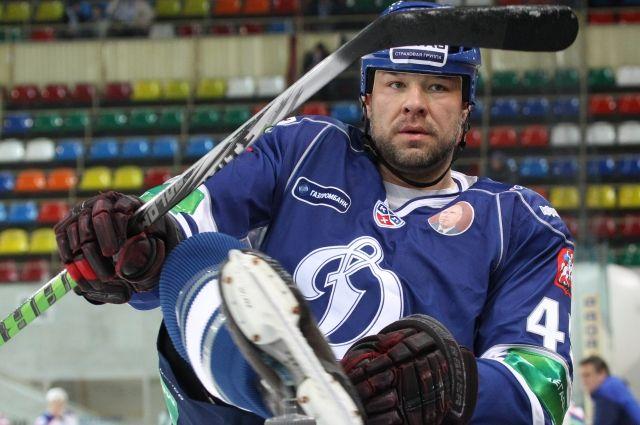 Заработавший закарьеру 15 млн. долларов хоккеист объявил себя банкротом