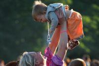 Работающие родители думают, что сделали для ребёнка всё, но забывают об эмоциональном контакте.
