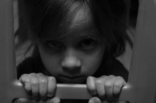 Гиперопека и контроль. Какие методы воспитания могут сломать ребёнку жизнь 1