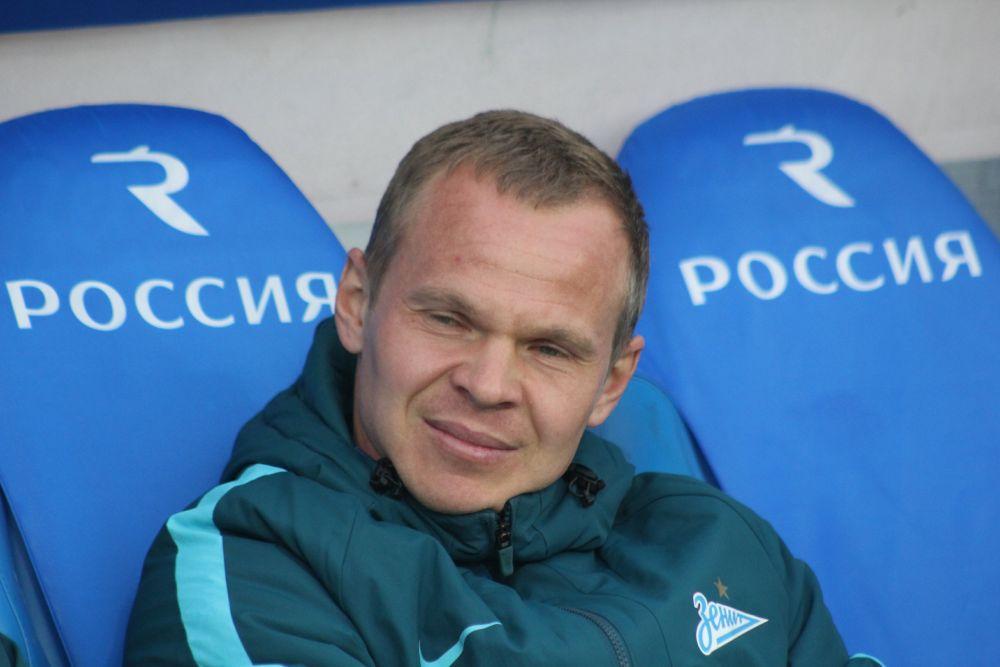 Александр Анюков (защитник, 34 года) — выступает за «Зенит».