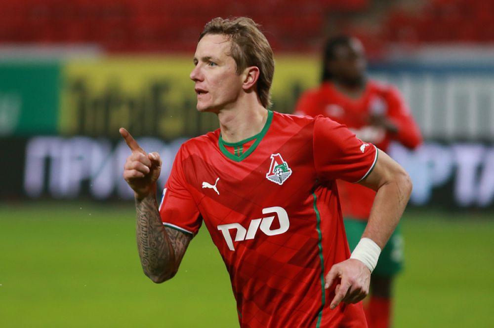 Роман Павлюченко (нападающий, 35 лет) — подписал контракт с ФК «Арарат».