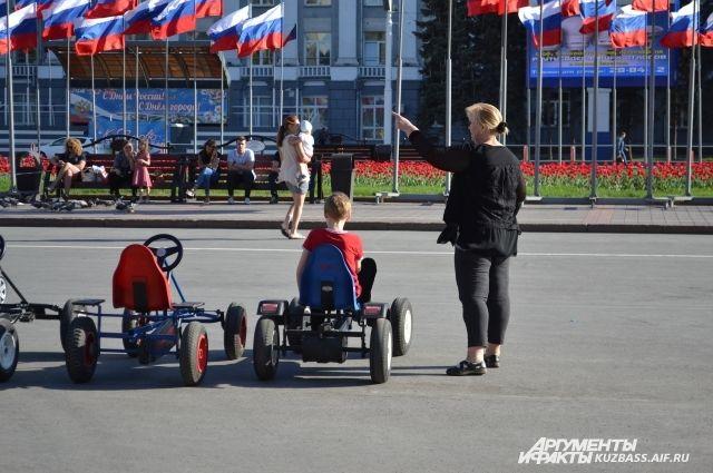 До 2013 года рожадемость в Кузбассе росла ,а теперь снижается, но пока медленно.