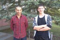 Станислав Зубчанинов и Александр Половинка спасли из горящей квартиры двух мужчин.