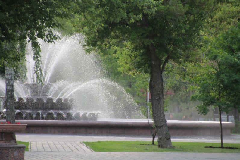 В Оренбург пришло настоящее лето, на улице +27 градусов тепла.