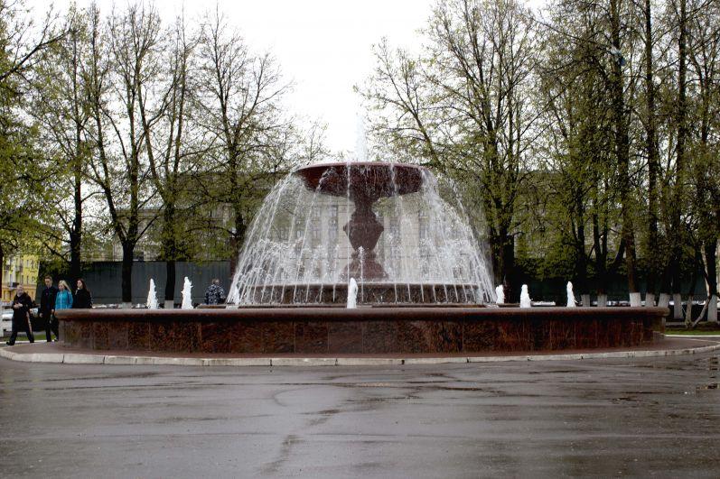 В Кирове погода не совсем летняя, ожидаются грозы с ветрами до 15-20 м/с.