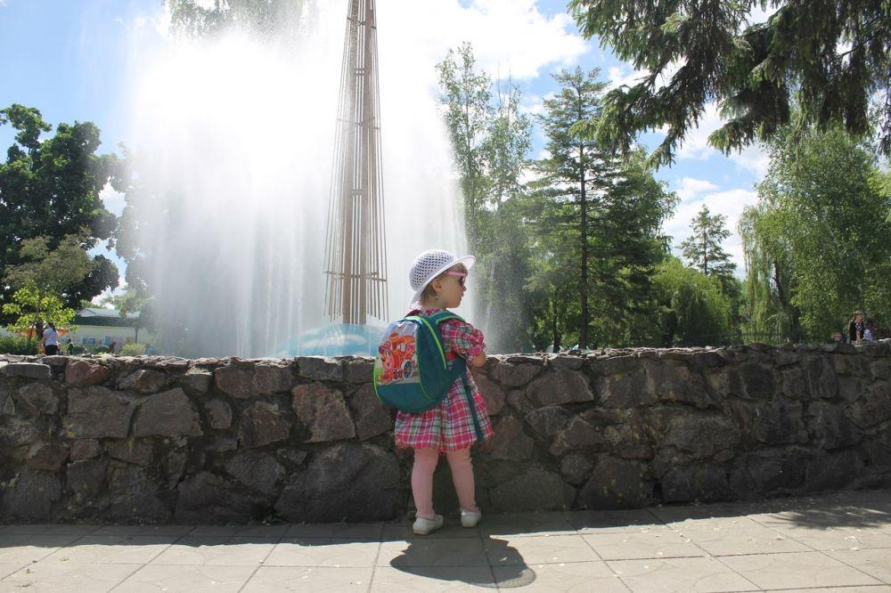Воронеж встречает лето теплой солнечной погодой, за окном +21 градус тепла.