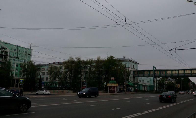 В Ижевске в первый день лета пасмурно и холодно, за окном всего +11 градусов и ветер до 22 м/с.