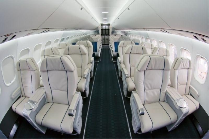 Самолет рассчитан на 211 посадочных мест.