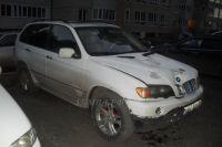 Машину нашли на стоянке во дворе недалеко от места аварии.