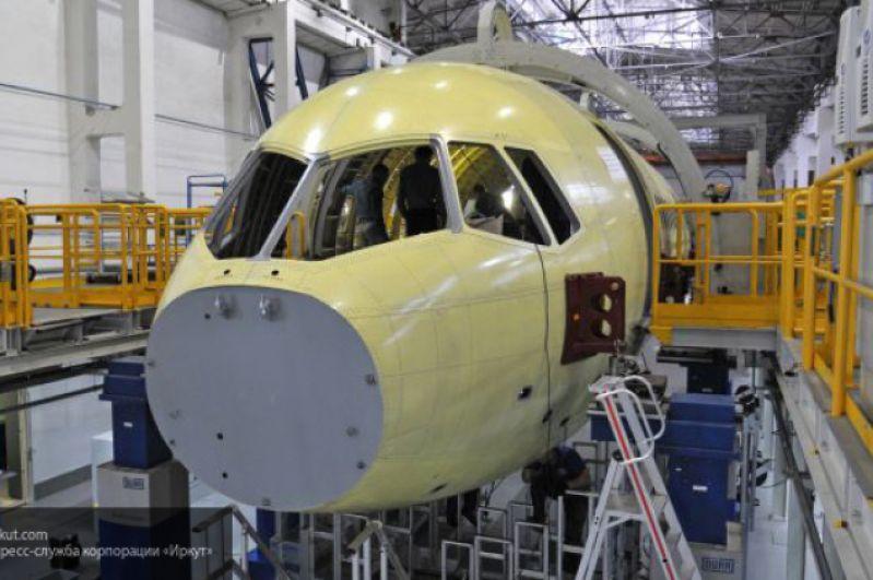А так самолет выглядел в момент постройки на иркутском авиационном заводе.