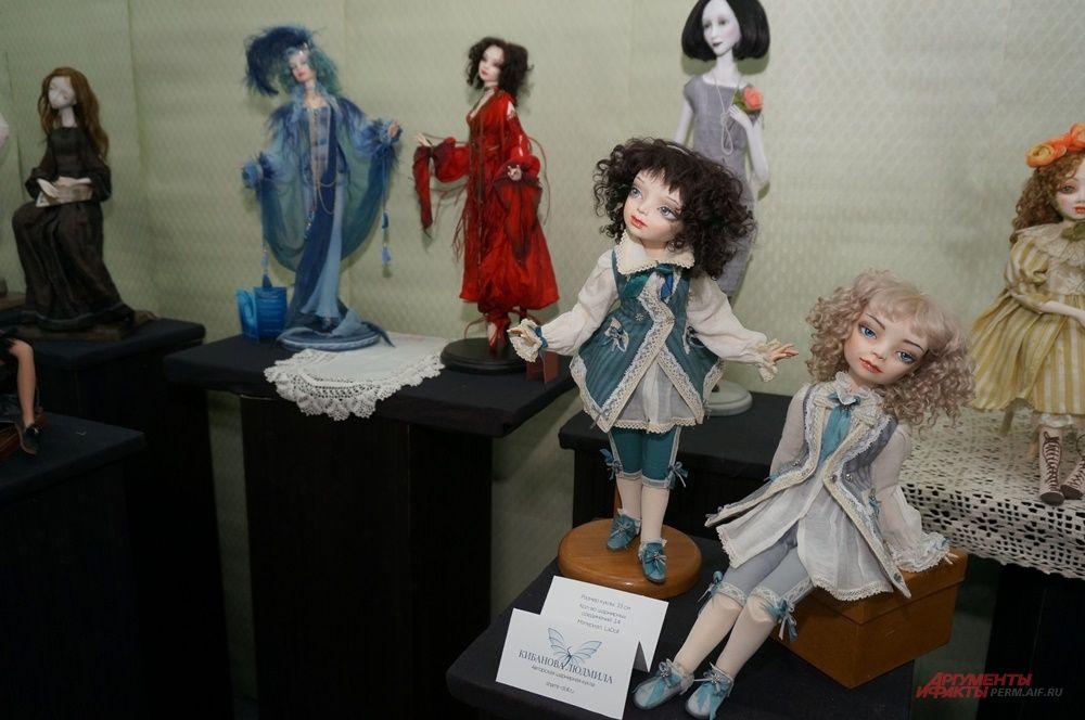 """На """"Арт-Перми"""" представлены также авторские куклы."""