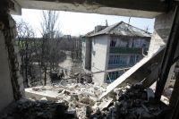 На улице Привокзальной в прифронтовом поселке Донецк-Северный в Донецкой области.
