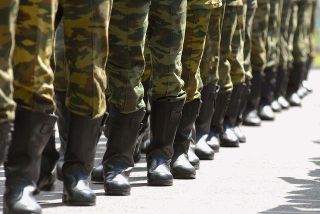 ВВолгоградской области сотрудника военкомата задержали зааферу сденьгами призывника