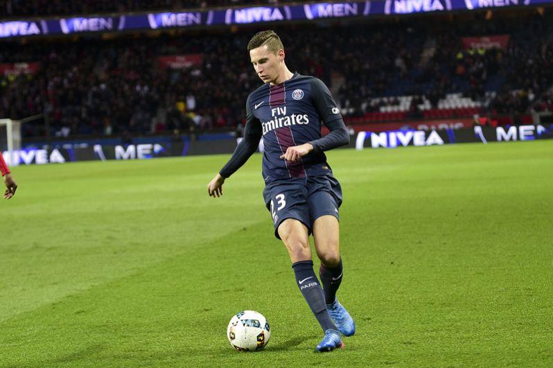 Юлиан Дракслер, 23 года, нападающий «Пари Сен-Жермен» и сборной Германии — 35 млн евро.