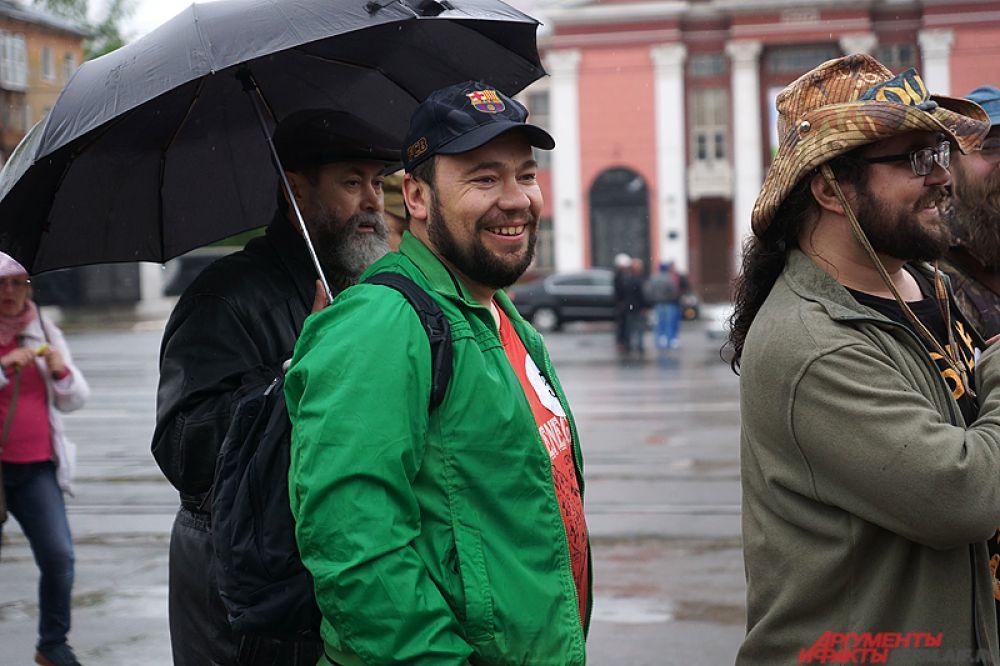 Главным девизом мероприятия стали слова «Достоевский и Толстой тоже были с бородой!». Необычная акция развернулась на площадке сквера у танка по улице Сибирская.