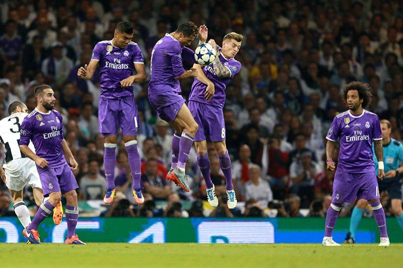 Игроки ФК «Реал Мадрид» Карлос Касемиро, Криштиану Роналду и Тони Кроос (слева направо).