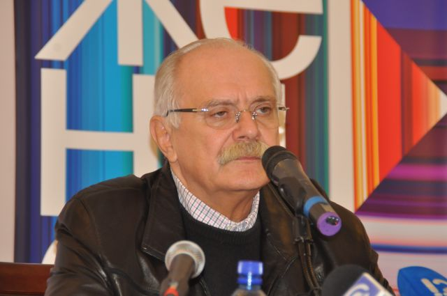 Никита Михалков пожертвует млн руб. налечение боксеров