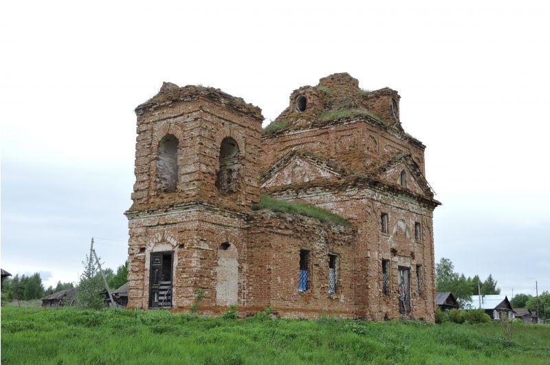 Церковь Архистратига Михаила.  Построена в 1828 году.
