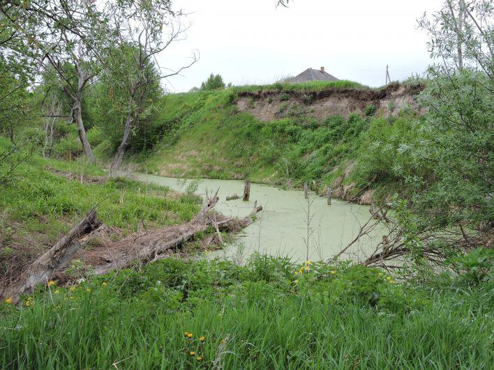 Основы разрушенного моста.