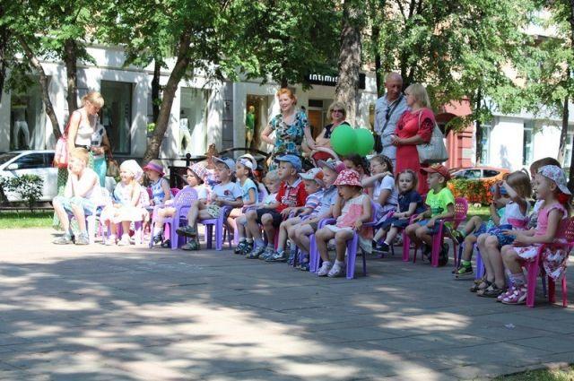 Юные кемеровчане смогут посмотреть спектакль под открытым небом.