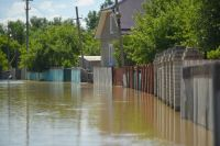 Вода подошла к жилым домам