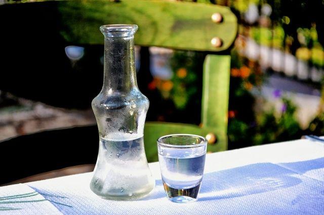 Полицейские изъяли уСтавропольца «паленый» спирт практически на7 млн руб.