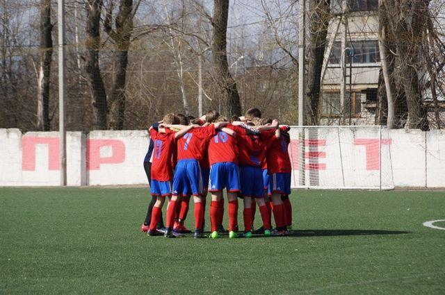 Футбольный матч смоленской «Искры» вБрянске закончился потасовкой тренеров