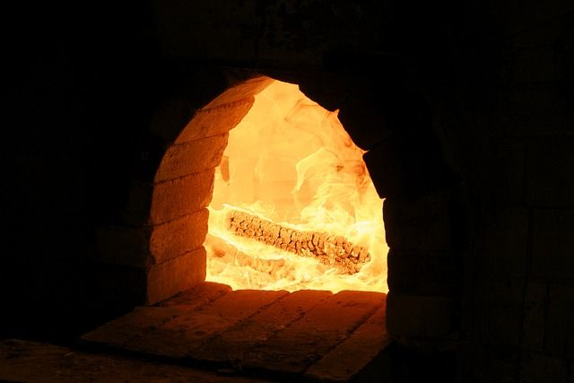 Брикеты выделяют больше тепла, чем дрова.