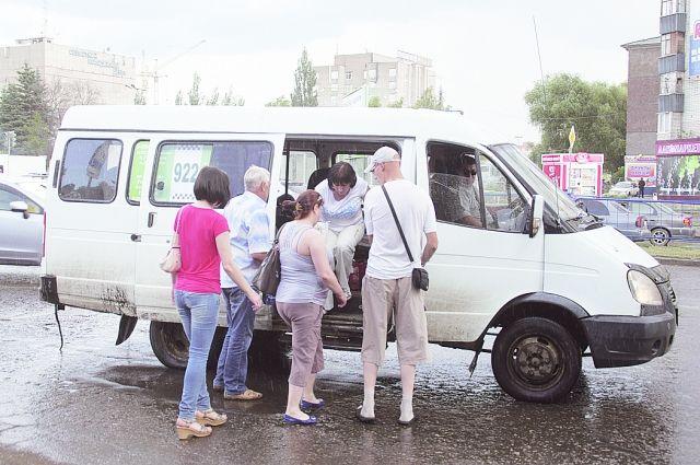 2-х водителей маршруток сократили из-за жалоб пассажиров вСтаврополе