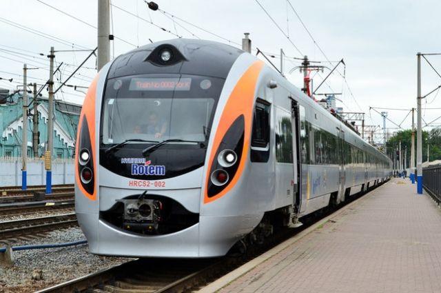 «Укрзализныця» желает запустить поезд, который соединит 5 столиц стран Европы
