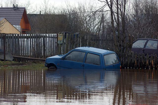 В Красновишерском районе в окрестностях деревни Митракова сохраняется угроза подтопления пониженных участков.