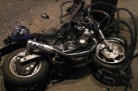 Ночное смертельное ДТП в Тюмени: мотоцикл влетел в ограждение на Республики