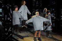 Музыкальная постановка по произведениям Андрея Платонова - пока единственная в своём роде.  Губернатор слушал оперу вместе с супругой Татьяной Гордеевой.