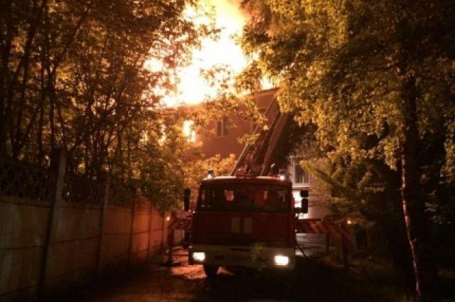 Ликвидация крупного пожара на территории бывшего ИВВАИУ.