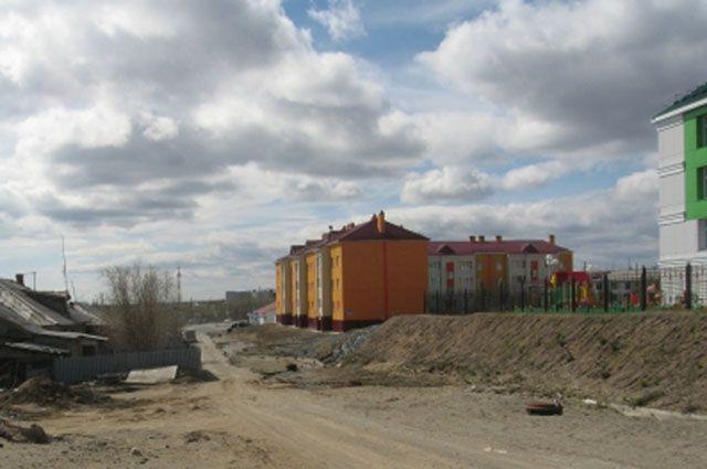 В Лабытнанги из-за промоины перекрыта дорога в район Геофизики.