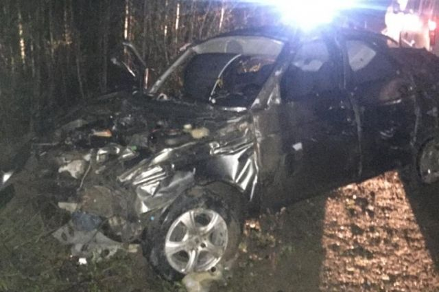 На 312 километре трассы 26-летний водитель, по предварительным данным, превысил скорость и потерял контроль над автомобилем.